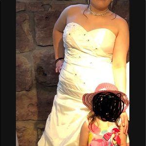 Wedding Gown Sweetheart or Halloween Costume